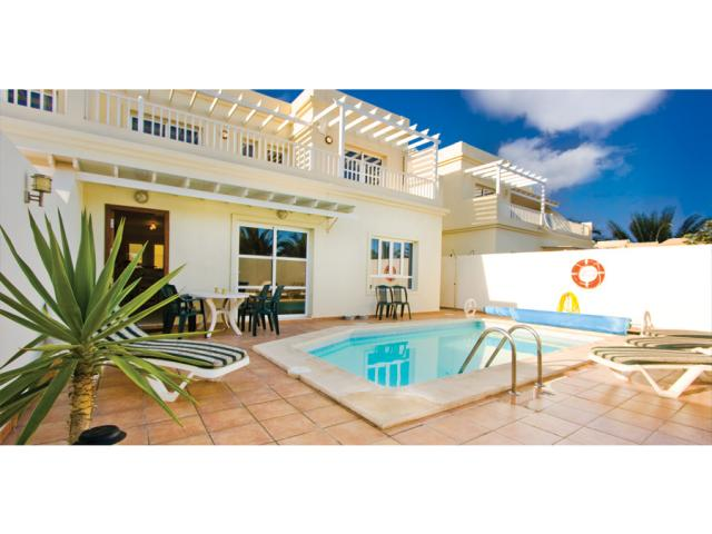 Private villa with heated pool - Villa Clara, Costa Teguise, Lanzarote