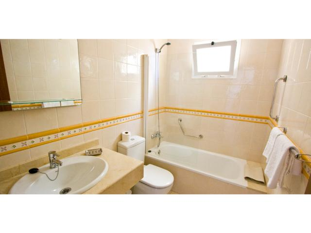 downstairs bathroom with full bath - Villa Clara, Costa Teguise, Lanzarote