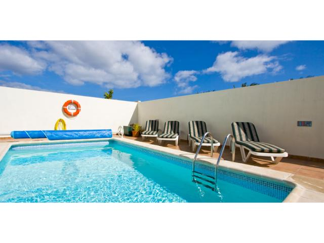 heated pool 6x3m - Villa Clara, Costa Teguise, Lanzarote
